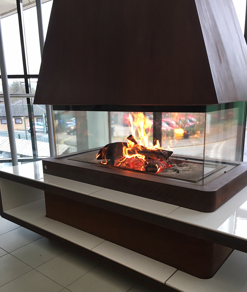 The Helsinki is part of the unique Panoramic  fireplace collection by Italian stovemakers Piazzetta.