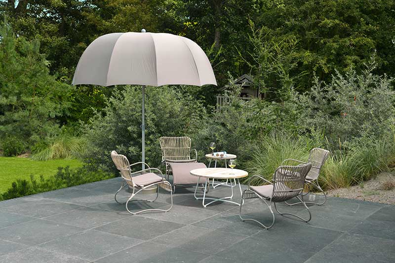 From stylish lounge chairs to striking ottomans, the Emma range makes a statement in any garden.