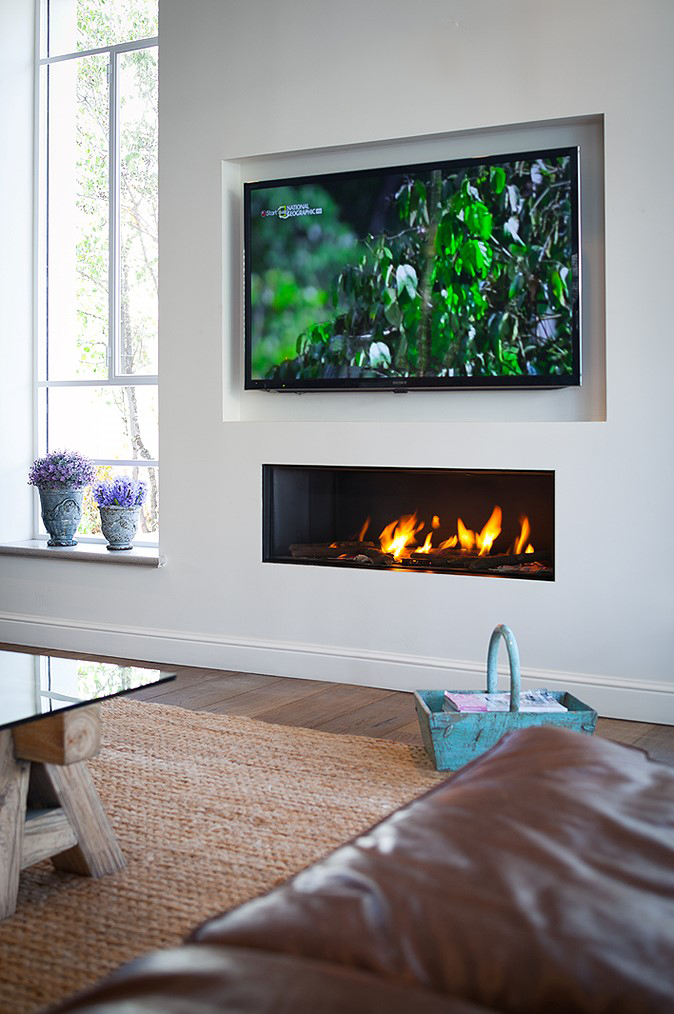 Ortal Clear 130 Glass Front Gas Fireplace From Robeys