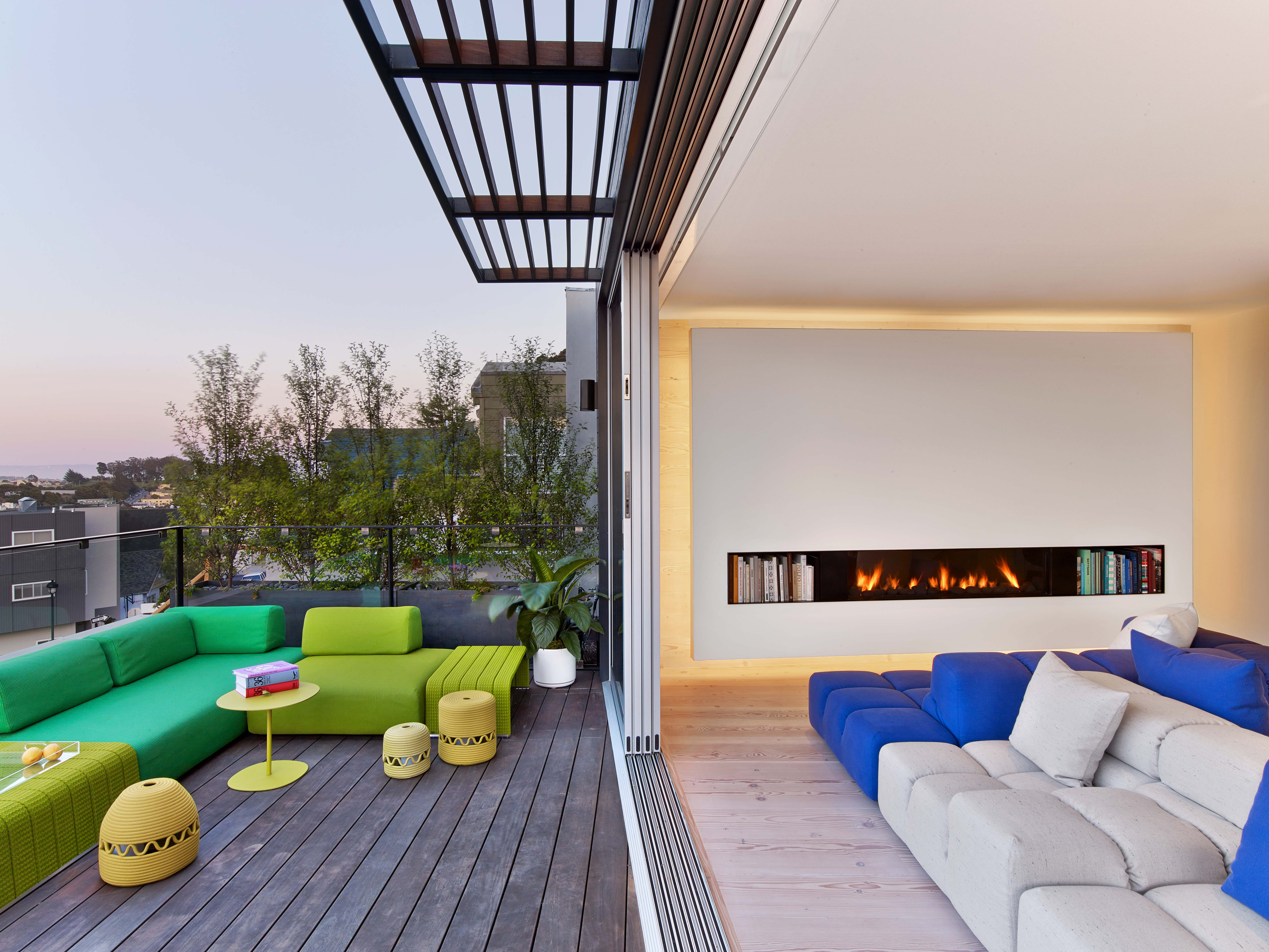 Modern-Glass-Fronted-Gas-Fireplaces-Ortal-Clear-Front-Facing-Range
