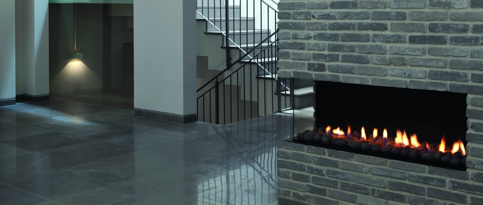 Contemporary-Modern-Glass-Fronted-Gas-Fireplaces-Ortal-Clear-Corner-110