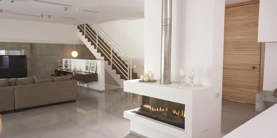 Contemporary-Modern-Glass-Fronted-Gas-Fireplaces-Ortal-Clear-Corner-130