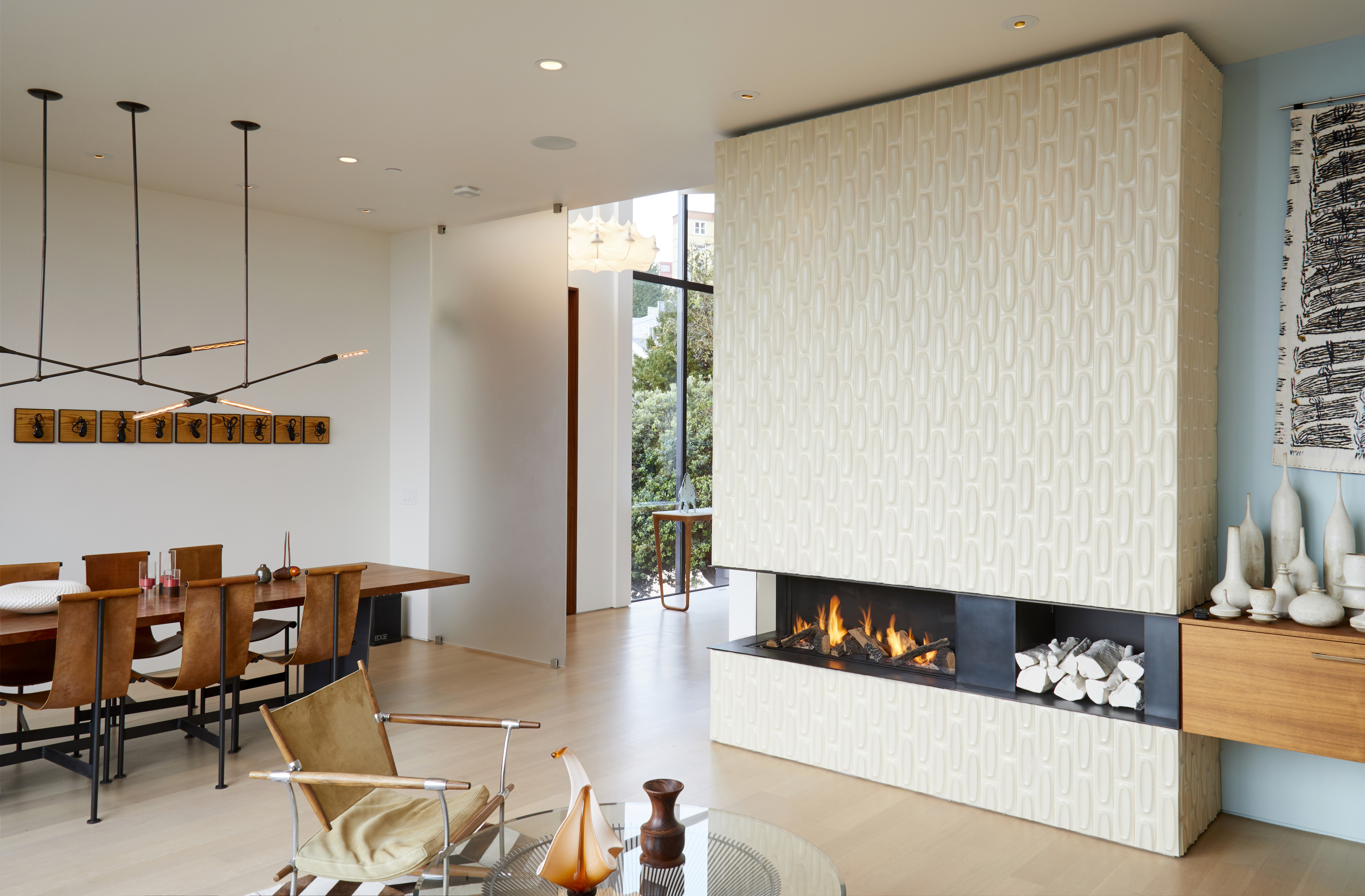 Modern-Glass-Fronted-Gas-Fireplaces-Ortal-Clear-Corner