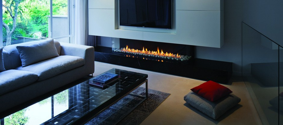 Contemorary-Modern-Glass-Fronted-Gas-Fireplaces-Ortal-Clear-Three-Sided-170