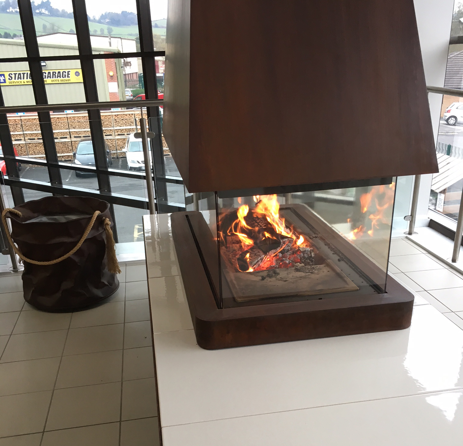Contemporary-Modern-Glass-Panoramic-360-Wood-Burning-Fire-Piazzetta-Helsinki-1