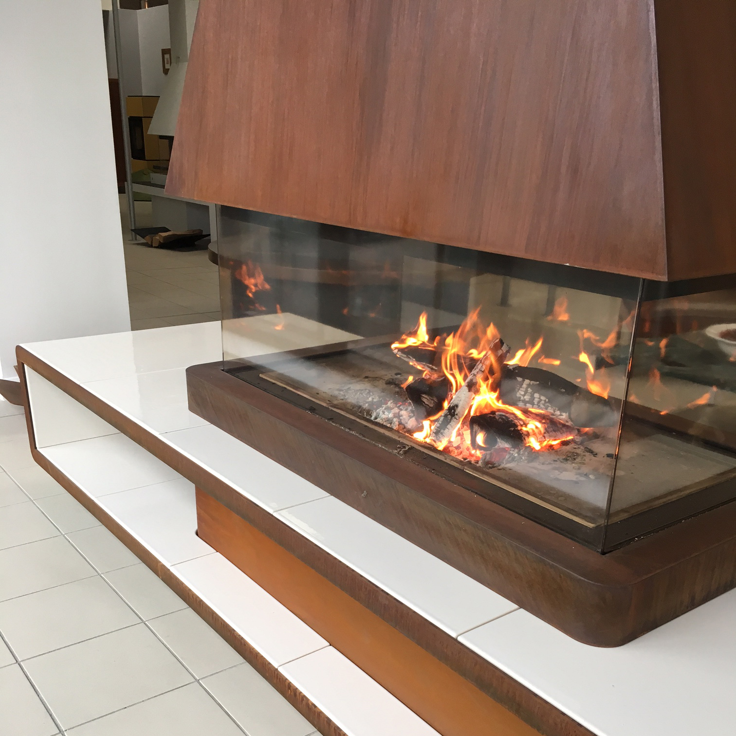 Contemporary-Modern-Glass-Panoramic-360-Wood-Burning-Fire-Piazzetta-Helsinki-2