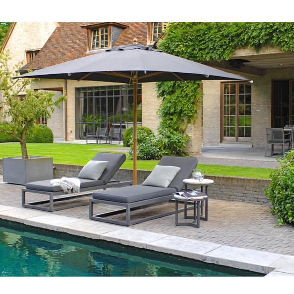 Borek Outdoor – Calcara Lounger with Venice Side Table and St Tropez Parasol