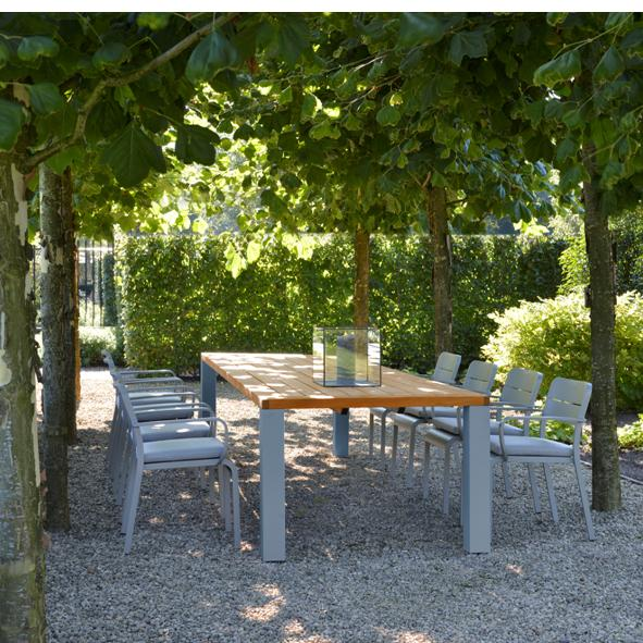 Borek Outdoor – Aluminium Bern Chair and Cortona Table